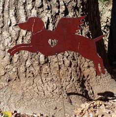 Rusty Finish Weimaraner Dog Angel Memorial Garden Art Yard Stake. 15.5 wide on welded 18 stake.