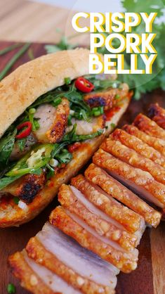 The BEST Crispy Pork Belly and Sandwich Recipe and Video! Hi guys! Today I'm super excited to share one of my favorite recipes- Crispy Pork Belly and plus… Mini recipe of Crispy Pork Belly Banh Mi! (Vietnamese Sandwich) I had… Vietnamese Recipes, Asian Recipes, Healthy Recipes, Vietnamese Sandwich, Vietnamese Food, Cambodian Recipes, Sandwich Au Porc, Pork Sandwich, Meat Recipes