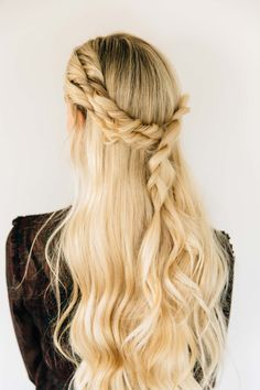 Great guide on this beautiful braids. Triple Twist Half Up + BFB Hair Update - Barefoot Blonde by Amber Fillerup Clark