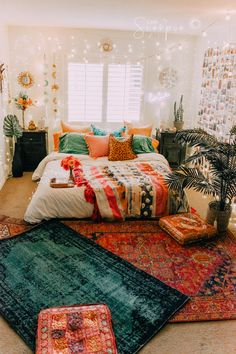 Boho room room inspiration in 2019 room decor, dorm room, bedroom decor. Dream Rooms, Dream Bedroom, Bedroom Bed, Pretty Bedroom, Bedroom Inspo, Jungle Bedroom, Fall Bedroom, Cozy Bedroom, Teen Bedroom