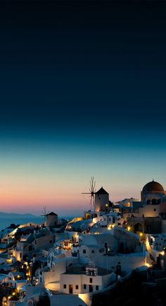 Be it nature, city trips, culture or art, this state surely has some awesome things to discover. Be amazed by these beautiful places to visit in Greece Wallpaper, Scenery Wallpaper, Wallpaper Art, Aesthetic Backgrounds, Aesthetic Wallpapers, Night Scenery, Beautiful Places To Travel, Travel Aesthetic, Greece Travel
