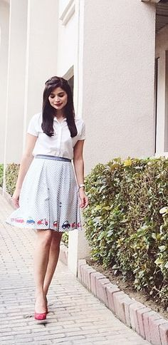 Anne Curtis Outfit, Anne Curtis Smith, Dresses For Teens, Filipino, Pretty Dresses, Stylish Outfits, Midi Skirt, Hacks, Women's Fashion
