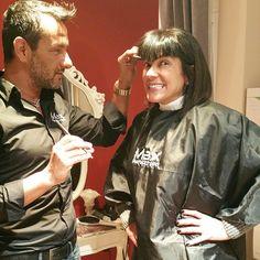#AnaLauraRibas Ana Laura Ribas: Come avete decretato voi, avanti con la FRANGIA! E la voglio cosi, frangia alla Diabolik il mio idolo!!! A punta, vai Max, taglia taglia @maxbylovecchio #diabolik #Idol #ribasfurba #followme #brunette #woman #milano #italia