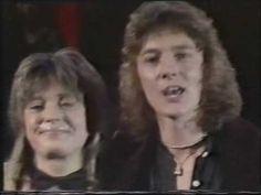 Suzi Quatro & Chris Norman on Euro TV. I noticed that Suzi sort of looks like Shakira with a shag mullet hairdo. Soundtrack To My Life, Song One, Me Me Me Song, Hit Songs, Love Songs, Euro Tv, Norman, Nostalgia, English Love
