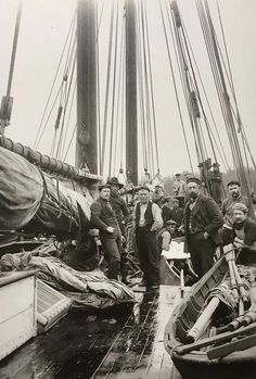 source: olddavyjones Unknown gaff rigged vessel about 1900 Old Pictures, Old Photos, Old Sailing Ships, Vintage Nautical, Nautical Theme, Stormy Sea, Wooden Ship, Ship Art, Antique Photos