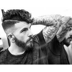 Haircut by braidbarbers http://ift.tt/1NAtBpc #menshair #menshairstyles #menshaircuts #hairstylesformen #coolhaircuts #coolhairstyles #haircuts #hairstyles #barbers