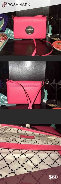 Kate Spade crossbody Only used twice perfect condition! kate spade Bags Crossbody Bags