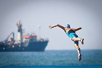 Flying in to the water at 2013 Alanya ETU Triathlon European Championships #triathlon #fitri