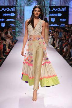 Arpita Mehta's collection at at Lakme Fashion Week Summer/Resort 2015 #JabongLFW