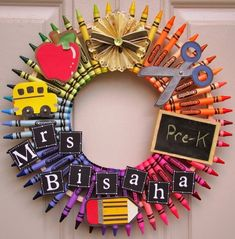 DIY crayon wreath ideas classroom decoration ideas door decoration