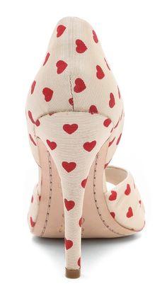 ~~The perfect Valentines Day pump ~ alice + olivia Gigi Heart Print d'Orsay Pumps~~