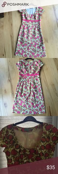 "Dress Beautiful Boden dress- perfect for a Sunday brunch, professional work environment, or date night. Size small / 2 I'm 5""4 and it hits at my knees. Worn once. Excellent condition. Boden Dresses Midi"