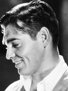 A very young, very fetching Clark Gable, Always thought he was so handsome Hollywood Actor, Golden Age Of Hollywood, Vintage Hollywood, Hollywood Stars, Classic Hollywood, Old Hollywood Glamour, Clark Gable, Old Movie Stars, Classic Movie Stars