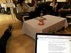 #Réunion au sommet chez #lafilleauxchaussuresroses. On voit que certains décrochent ou pas ? 😂 #weddingplanner #igerslille #lille #intership #weddingplannerlife #coworkers #brainstorming
