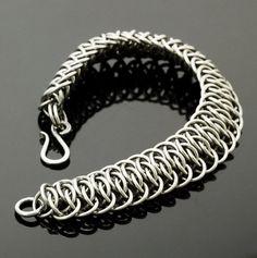 Grand Viperscale Edelstahl Chainmaille Armband von CreatingUnkamen