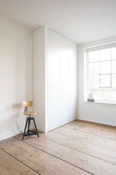 """Simple storage: The white closet """"Cabin""""- Schlichter Stauraum: Der weiße Wandschrank """"Cabin"""" Simple storage space: The white closet """"Cabin"""" – – - 4 Door Wardrobe, Wooden Wardrobe, Wardrobe Cabinets, Wardrobe Storage, Bedroom Wardrobe, Built In Wardrobe, White Wardrobe, Wooden Door Design, Wooden Doors"""