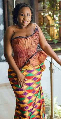Ghanaian Kente fabric and styles is are becoming increasingly popular at African traditional wedding ceremonies bridal styles and dresses African Wedding Attire, African Attire, African Wear, African Print Fashion, African Fashion Dresses, African Clothes, African Prints, Kente Dress, Beautiful African Women
