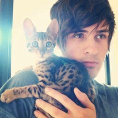 Anthony Padilla: the professional cat model BABY PIP!