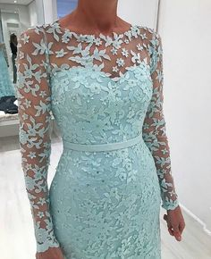Most Gorgeous Winter Wedding Dress Ideas - Zine 365 Mother Of The Bride Dresses Long, Mother Of Bride Outfits, Mothers Dresses, Lace Dress Styles, African Lace Dresses, African Fashion Dresses, Elegant Dresses, Beautiful Dresses, Formal Dresses