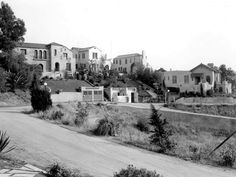 An early view of Whitley Heights near the Hollywood Bowl (ca. The Hollywood Bowl, Golden Age Of Hollywood, Vintage Hollywood, Garden Of Allah, Vintage California, Southern California, Los Angeles Neighborhoods, Hollywood Homes, Local History