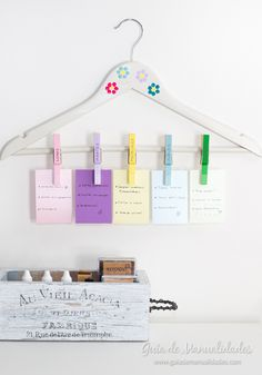Weekly organizer with clothespins - Weekly organizer with clothespins - Diy Craft Projects, Diy And Crafts, Projects To Try, Diy Papier, Room Organization, Ideas Para, Easy Diy, Decoration, Handmade