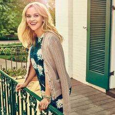 Reese Witherspoon. Emmm who don't love Reese Witherspoon.