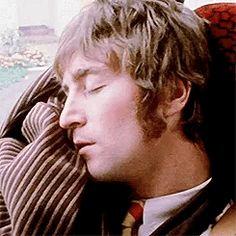 John Lennon I'm only sleeping Imagine John Lennon, Liverpool, John Lemon, John Lennon Beatles, Beatles Band, Beatles Photos, Dear John, The Fab Four, The Beatles