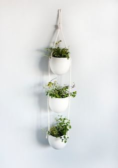 Drop porcelain and cotton rope planter