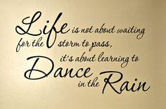 Chiesa di San Lorenzo: La vita: una danza nella tempesta della vita.