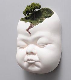 Amazing sculpture by Johnson Tsang . Johnson Tsang, Human Body Art, Art Assignments, Human Sculpture, Art Archive, Sketch Painting, Wall Sculptures, Ceramic Sculptures, Cool Artwork
