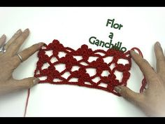 Tejer haciendo flores a ganchillo Crochet Stitches, Inspiration, Weaving, Needlepoint, Make Flowers, Tejidos, Hearts, Ornaments, Biblical Inspiration