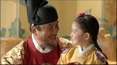 RR: Hwajeong) is a 2015 South Korean television series. This is a scene from the first episode (which would've been set in Princess Jeongmyeong and King Seonjo. Korean Hanbok, Korean Dress, Korean Traditional Dress, Traditional Dresses, Splendid Politics, Cha Seung Won, Paros, Korean Beauty, Hangul Alphabet