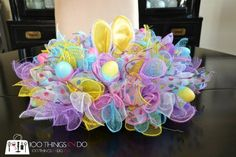 Easy Easter Wreath - using dollar store items | 100 Things 2 Do Wreath Crafts, Diy Wreath, Wreath Making, Wreath Ideas, Fabric Wreath, Burlap Wreath, Easter Centerpiece, Easter Decor, Centerpiece Ideas