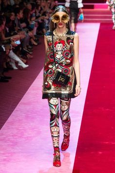 cc02ccc04503e 165 best Dolce and Gabbana Fave images on Pinterest   Fashion show ...