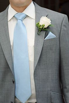 light grey suit, light blue tie, it would be better if the tie and hanky was pink