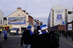 A steady stream of fans head to Goodison Park