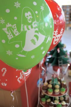 Sweet table Merry Christmas - Arbre de noël Toyota - www.babypopsparty.com/en-image Decoration, Toyota, Sweet, Party, Image, Christmas Trees, Children, Noel, Decor