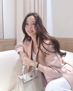 syj: Feeling pretty in pink🌸 Magazine Cosmopolitan, Instyle Magazine, Jessica & Krystal, Jessica Lee, Kim Hyoyeon, Yoona, Mamamoo, Kpop Girl Groups, Kpop Girls