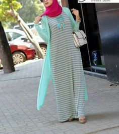 Girly and colorful spring hijab outfits – Just Trendy Girls Modest Fashion Hijab, Modern Hijab Fashion, Islamic Fashion, Abaya Fashion, Muslim Fashion, Fashion Dresses, Kebaya Dress, Mode Abaya, Islamic Clothing