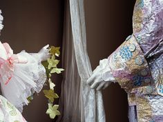 MARIE-ANTOINETTE ET LOUIS XVI, XVIIIÈME SIÈCLE.  Detail of the paper costume of Queen Marie-Antoinette, realised for The High Museum of Atlanta (summer 2008) with the costume of King Louis XVI.