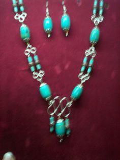 Conjunto de collar y sarcillos en turquesas...