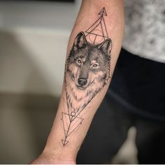 Tribal Tattoos, Geometric Wolf Tattoo, Tribal Wolf Tattoo, Wolf Tattoo Design, Tattoos Skull, Body Art Tattoos, Geometric Tattoo Inspiration, Tattoo Ink, Fish Tattoos