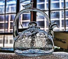 Hand Blown Tea Pot from the Michigan Glass Co. By: Michael Murphy Hand Blown Tea Pot from the Michigan Glass Co. By: Michael Murphy Vases, Glass Teapot, Tea Pot Set, Teapots And Cups, Crackle Glass, My Cup Of Tea, Tea Accessories, Vintage Tea, Hand Blown Glass