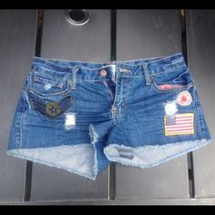 Distressed Denim Shorts w/ Patches Worn once last summer now I can't fit them anymore. Forever 21 Jeans