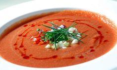 Esistono molte ricette del gazpacho andaluso, ma questa è la più famosa, la ricetta andalusa. Andiamo a prepararla!