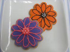 Flowers by Flour & Sun, via Flickr #cookie #flower