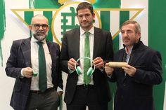 El Real Betis presenta nuevos productos verdiblancos: auriculares, smarwatch y altavoces