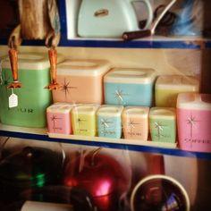 Vintage Pastel Kitchen Cannisters ▬ Please! Vintage Canisters, Vintage Kitchenware, Vintage Dishes, Vintage Glassware, Kitchen Canisters, Vintage Dinnerware, Kitchen Items, Love Vintage, Vintage Decor