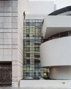 Inside Guggenheim Museum NYC | Solomon R. Guggenheim Museum - Renovation and Addition - Gwathmey ...
