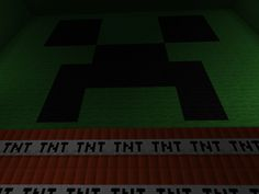 The true insides of a creeper ............ TNT and emptiness !!!